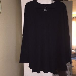 Old Navy black long sleeved t-shirt.